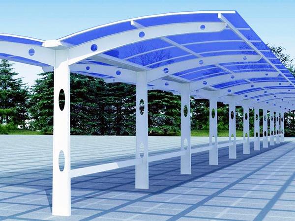 UVPLASTIC Massive Polycarbonatplatten sind das beste Material für Heimwerkerprojekte wie Carports aus Polycarbonat und Pergola usw.