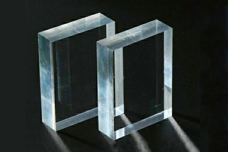 Acrylglasfenster