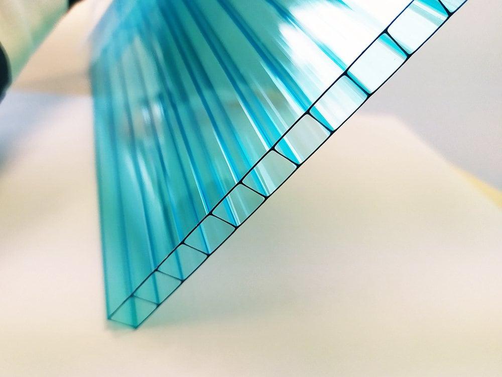 Blaue Doppelstegplatten